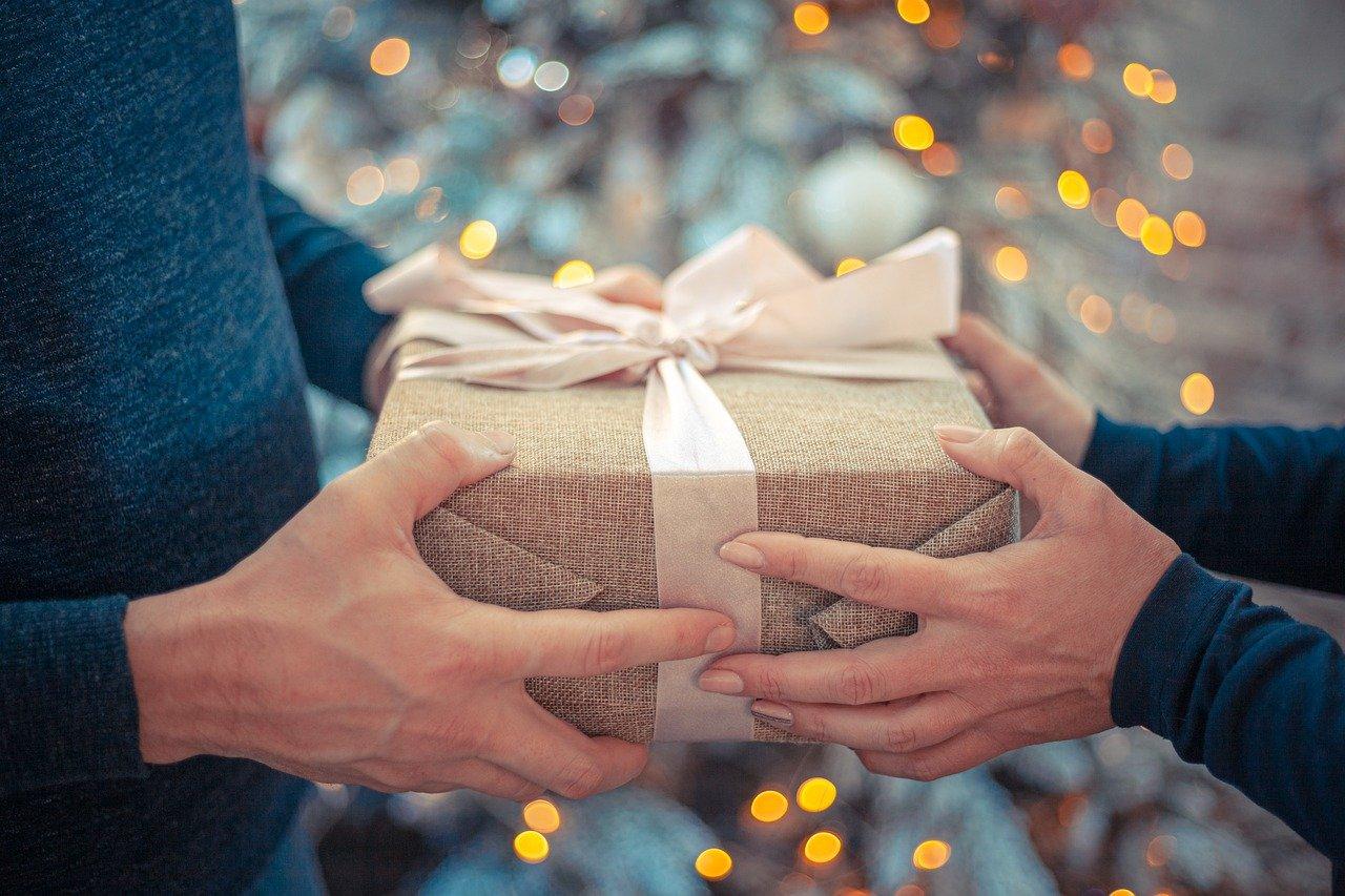 7 regali di design (per tutte le tasche!) da impacchettare sotto l'albero.